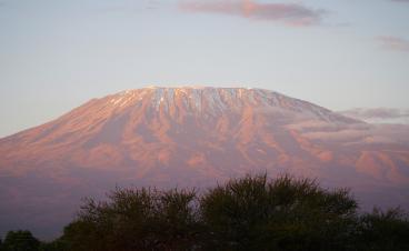 Kilimandscharo, das Dach von Afrika besteigen