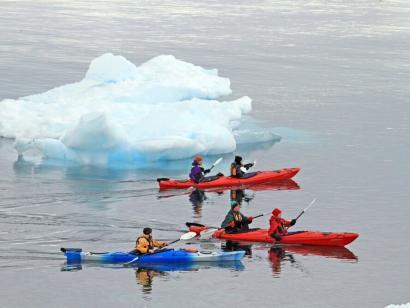 Basecamp Antarktis Aktiv an der Antarktischen Halbinsel: Kajaktouren, Wandern, Bergsteigen, Tierbeobachtungen und vieles mehr