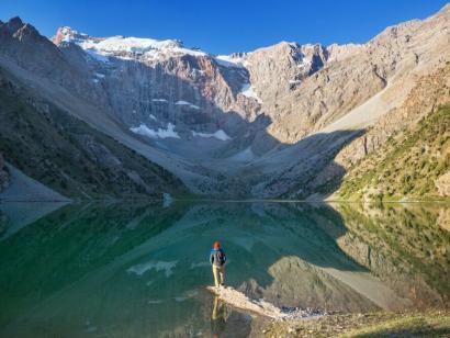 Durch die goldenen Fan-Berge Tipp unter Alpinisten und Trekkern: mit Zelt und Packtieren unterwegs in einem der schönsten Gebirge Asiens