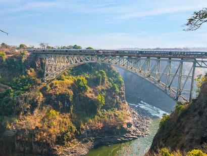 Reise in Botswana, Der Rovos Rail an den Victoriafällen