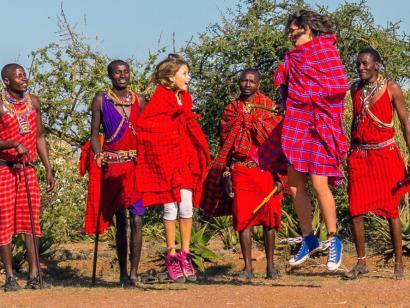 Familienabenteuer im Land der Massai Miteinander auf Safari gehen, gemeinsam tolle Erlebnisse und eine entspannte Zeit am Strand genießen