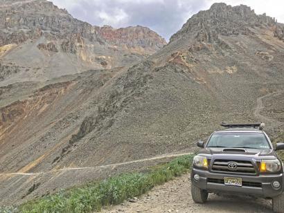 Geisterstädte, Gebirgspässe und heiße Quellen Offroad-Abenteuer von Denver über spannende Pisten und Passstraßen in Colorados Bergwelt