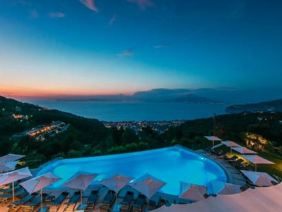 Reise in Italien, Golf von Neapel: Kulturschätze an der Traumküste mit Flair