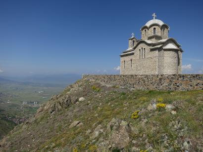 Reise in Albanien, Eine Kirche in der Nähe von Korca