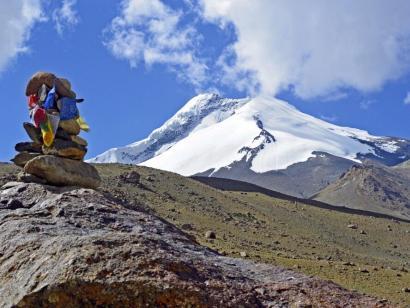 Kang Yatze II (6190m), Dzo Jongo East (6214m), Regoni Mallai Ri (6050m) und Matho Kangri (5965m) Bergexpedition auf drei 6000er in einer Reise