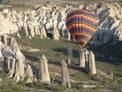 Reise in Türkei, Die Tuff-Türme im Liebestal aus der Vogelperspektive
