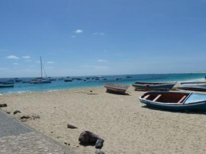 Reise in Kap Verde, Boote am Strand von Sal