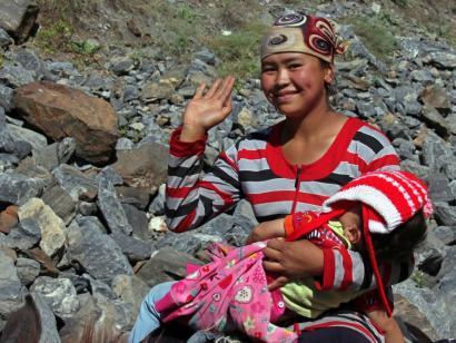 Reise in Kirgistan, Jurten mit Regenbogen