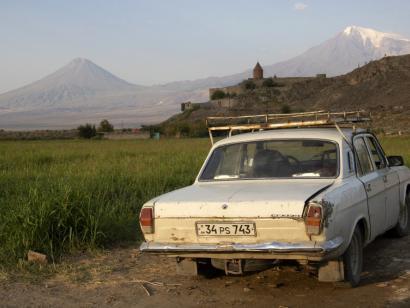 Klöster, Kirchen, Kreuzsteinkult Umfassende und entspannte Rundreise zu Natur- und Kulturschätzen mit Blick hinter die Kulissen der Armenier