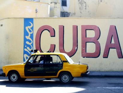 Reise in Kuba, Taxi in den Strassen von Kuba