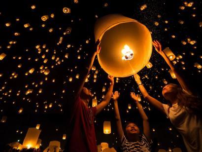 Laos' schönstes Festival und die mystischen Dschungeltempel von Angkor Erleben Sie mit Südostasienspezialistin Annette Bouvain die schönsten Plätze in Luang Prabang und Siem Reap