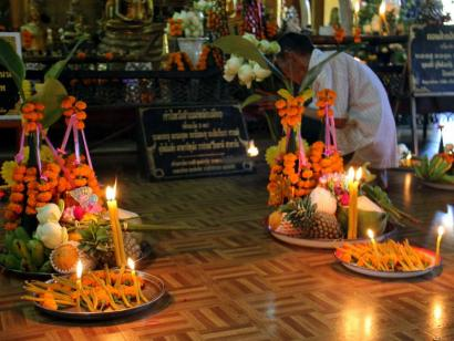 Reise in Kambodscha, Laos' schönstes Festival und die mystischen Dschungeltempel von Angkor Erleben Sie mit Südostasienspezialistin Annette Bouvain die schönsten Plätze in Luang Prabang und Siem Reap
