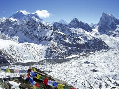 Reise in Nepal, Der Aufstieg über die Firnhänge erfolgt großteils seilfrei.