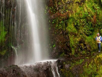 Reise in Portugal, Wasserfall auf Madeira