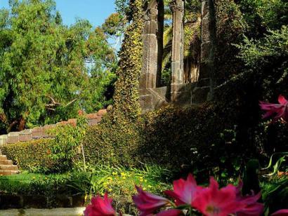 Reise in Portugal, Romantischer Garten auf Madeira