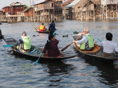 Reise in Myanmar, Myanmar: (Bambus-) Vorhang auf