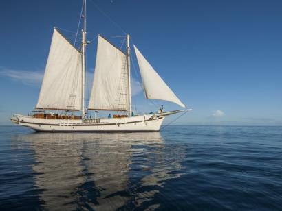 Reise in Myanmar, Das Segelschiff Raja Laut