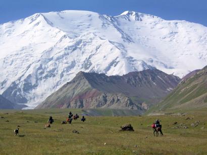 Pik Lenin (7134m) Bergexpedition über die Normalroute mit zwei Hochlagern