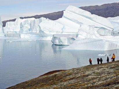 Reise in Grönland, Einer der gigantischen Eisberge im Scoresby-Sund
