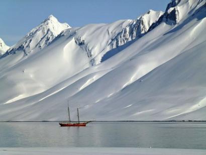 Reise in Spitzbergen, Skitouren zu einsamen Gipfeln