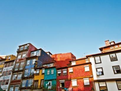 Reise in Portugal, Häuserfront in Porto