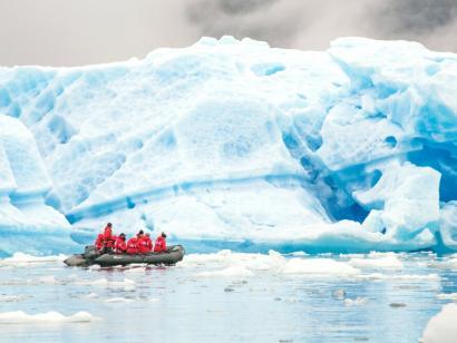 Südwestgrönland: Vom grünen Land zum ewigen Eis Komfortable Expeditionskreuzfahrt von der Insel aus Feuer und Eis entlang der Südwestküste Grönlands