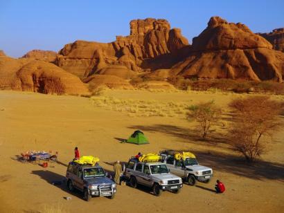 Verlorenes Paradies der Sahara Abenteuerspielplatz Sahara für Afrika-Kenner! Offroad zum Ennedi-Massiv und zu den Ounianga-Seen