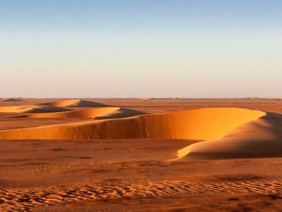 Reise in Tschad, Verlorenes Paradies der Sahara Abenteuerspielplatz Sahara für Afrika-Kenner! Offroad zum Ennedi-Massiv und zu den Ounianga-Seen