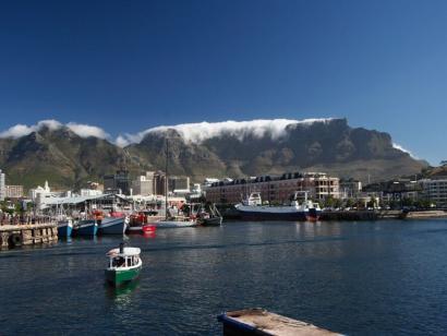 Reise in Botswana, Waterfront in Kapstadt mit Tafelberg-Kulisse