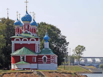 Reise in Russland, Dimitri-Blut-Kirche am Uglitscher Stausee, Russland.