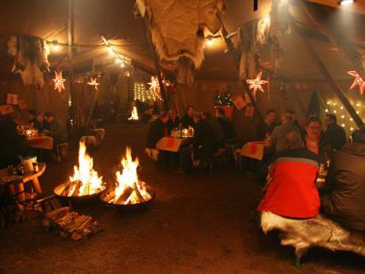 Reise in Deutschland, Weihnachtsfeier Julfest