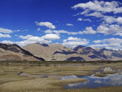 Reise in Indien, Zu Fuß ins Nubra Valley Intensives Zelttrekking auf selten angebotener Route mit zweifacher Passüberquerung (5420m und 5300m)