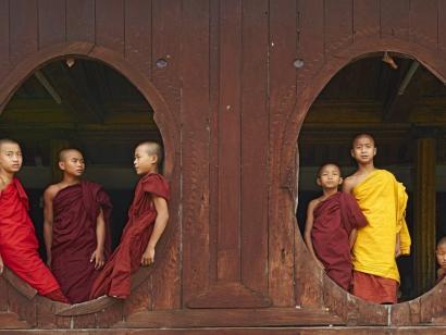 Reise in Myanmar, Mönche im Kloster