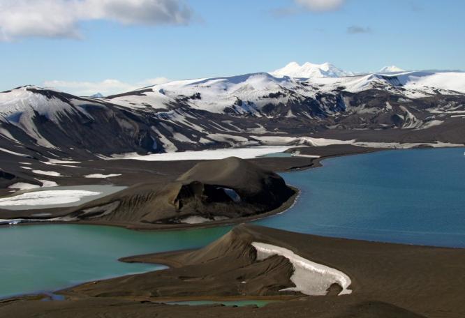 Reise in Antarktis, Neptunes Bellow - Eingang nach Deception Island