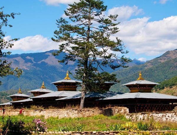 Reise in Bhutan, Bhutan - Durchquerung von Ost nach West