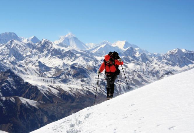 Reise in Nepal, Die majestätische Gipfelspitze des Himlung.