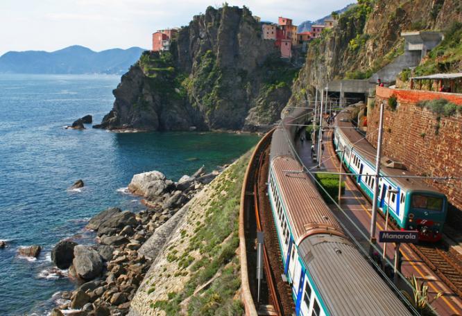 Reise in Italien, Italien - Cinque Terre - Mit der Bahn erkunden