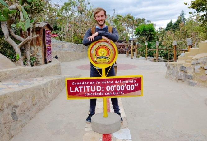 Reise in Ecuador, Clemens Sehi am Äquator