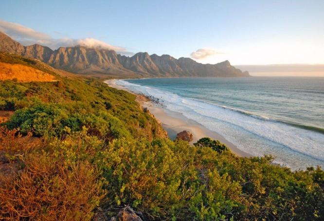 Reise in Südafrika, Blick auf den Tafelberg in Kapstadt