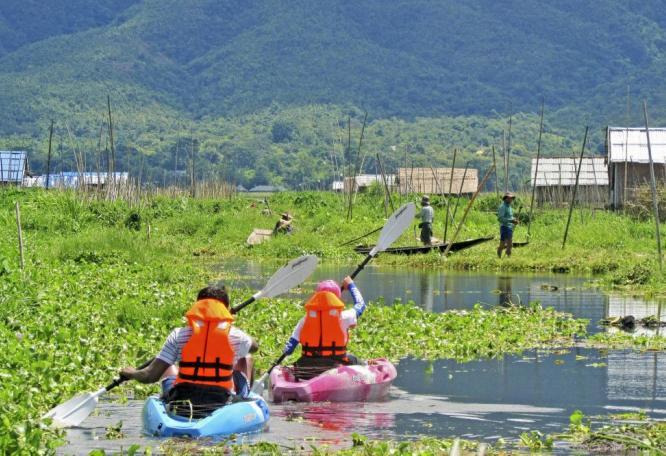 Reise in Myanmar, Einbeiruderer bei der Pause