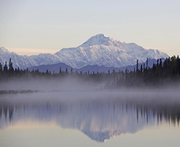 Reise in Kanada, Schneebedeckter Berg Denali in Alaska
