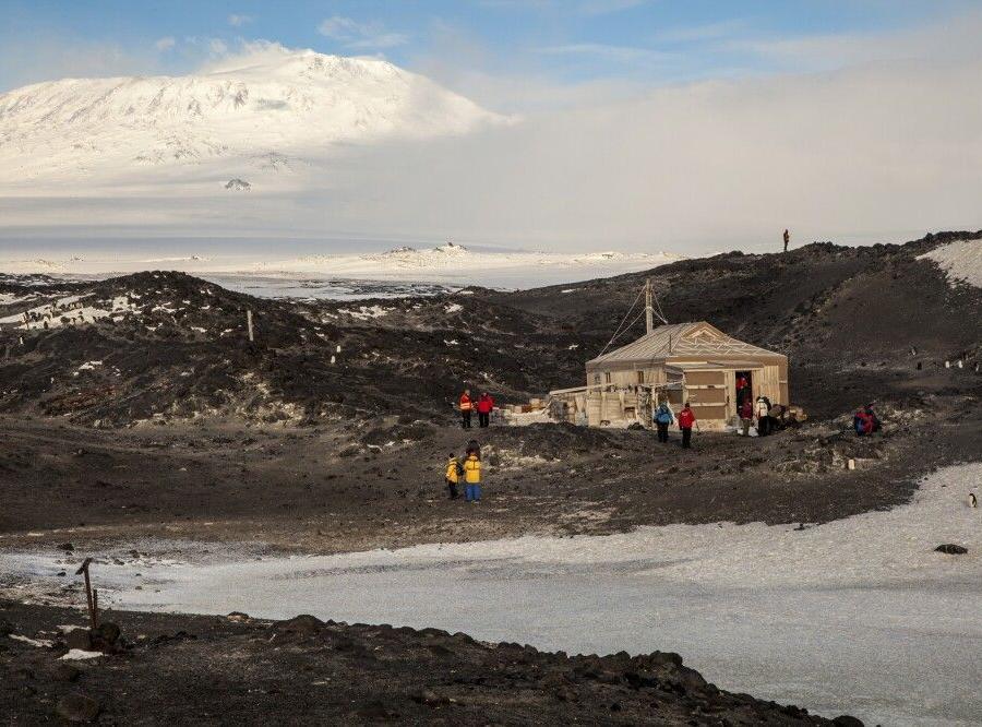 Reise in Antarktis, Shackletons Hütte