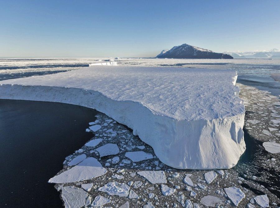 Reise in Antarktis, Mächtiger Gletscher in einem der antarktischen Trockentäler