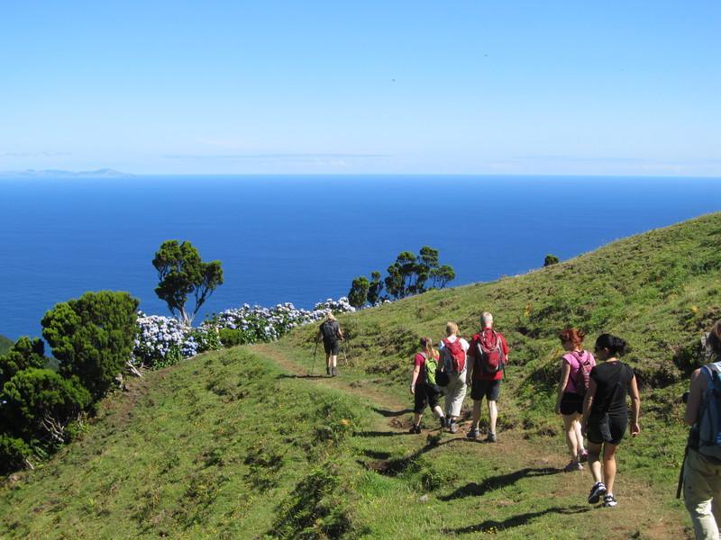 Reise in Portugal, Wanderung auf alten Pfaden entlang der Nordküste von São Jorge