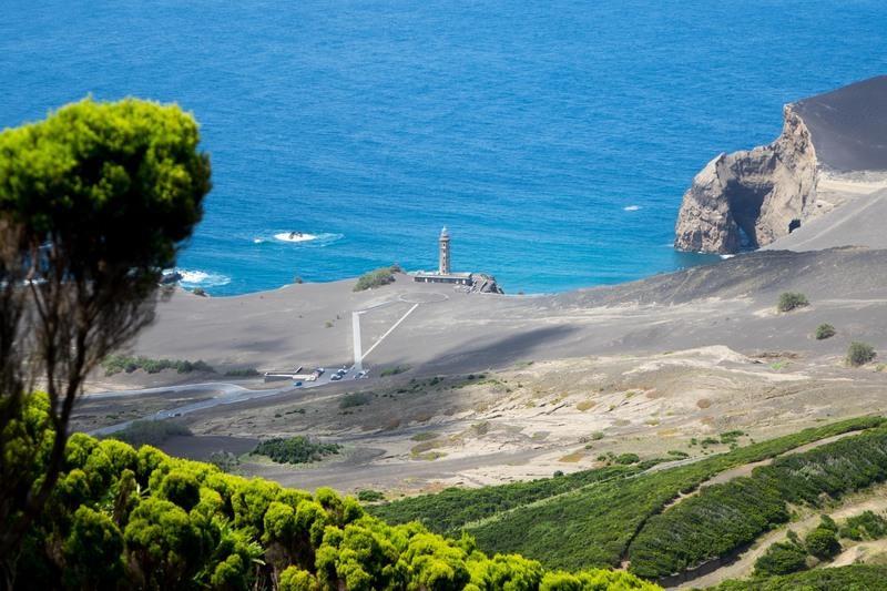Reise in Portugal, Wanderung nach Capelinhos