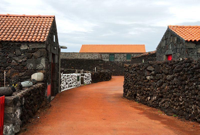 Reise in Portugal, Altes typisches Dorf auf Pico