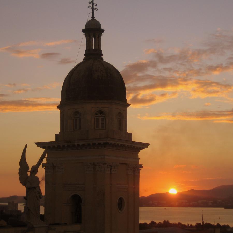 Reise in Kuba, GntherBrauner_SantiagodeCubakathedralemitSonnenuntergang.jpg