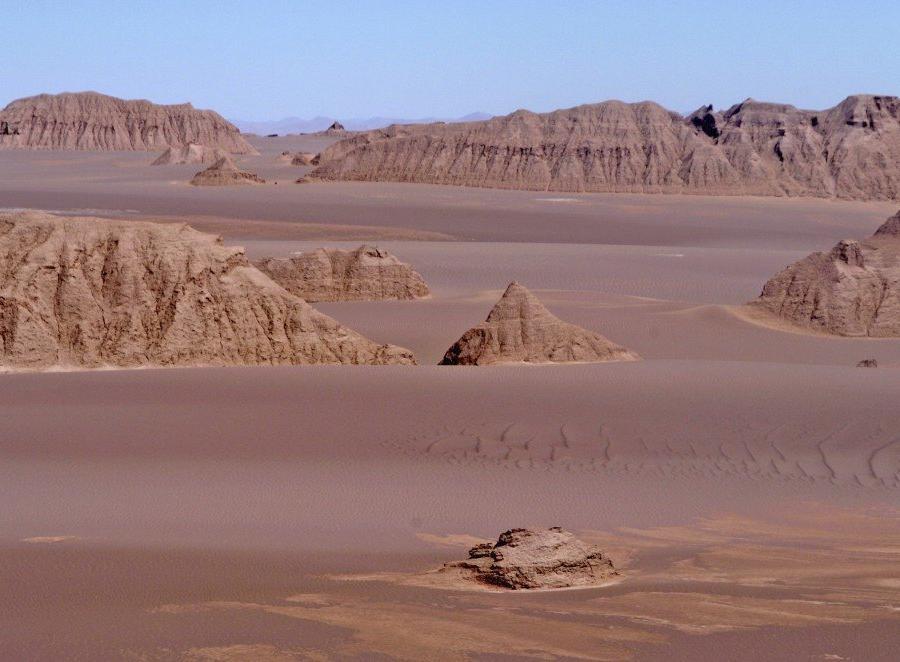Reise in Iran, Wüste Lut – die Kaluts – Steinformationen