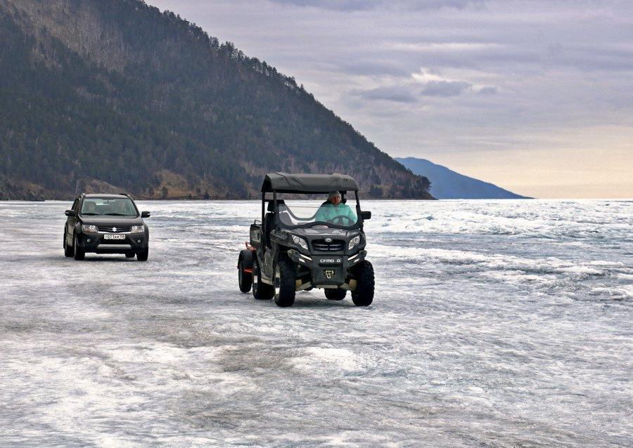 Reise in Russland, Fahrzeuge auf dem Eis
