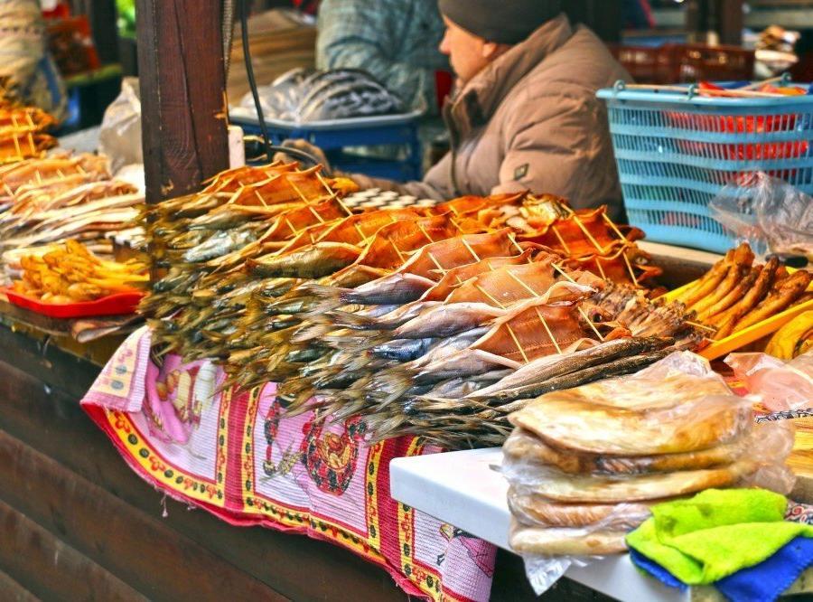 Reise in Russland, Fischmarkt in Listwjanka